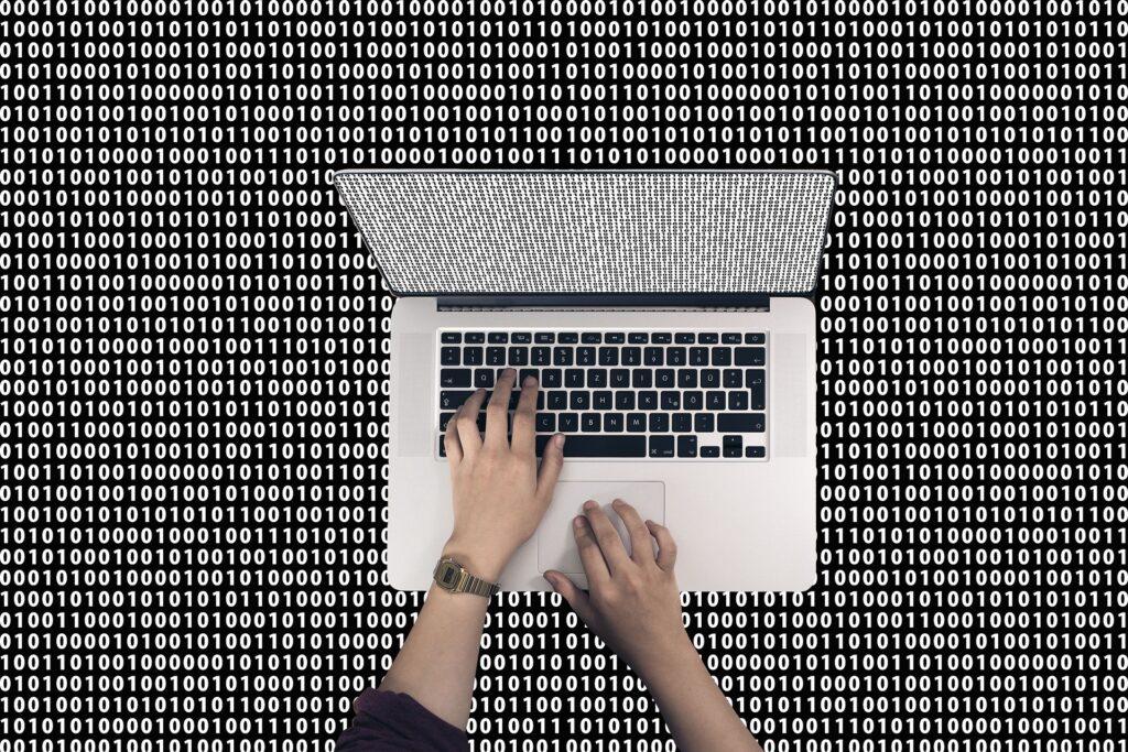 código abierto en sistema operativo linux